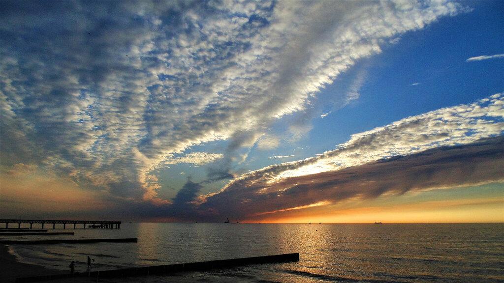 Жемчуг белых облаков по небу рассыпан....