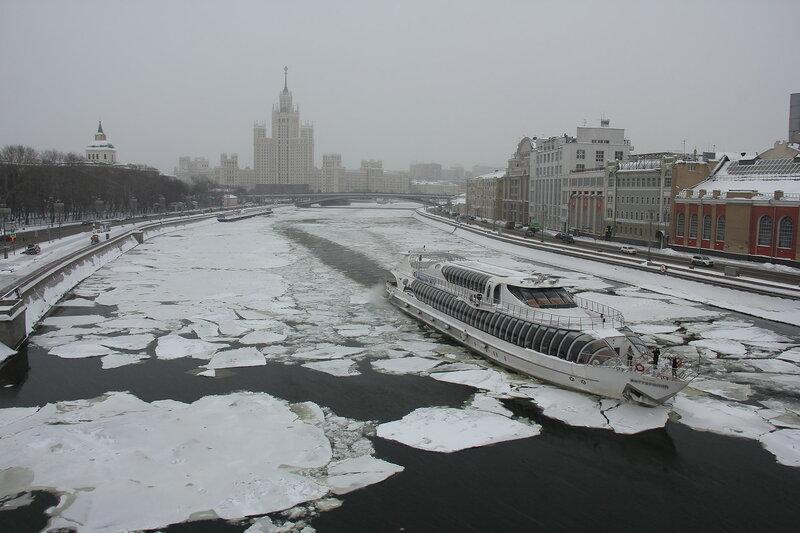 Московский ледокол.