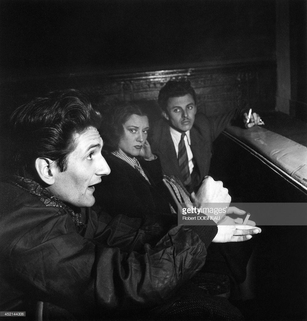 1947. Французский писатель и поэт Анри Пичетт во время репетиции в «Театре полуночников»