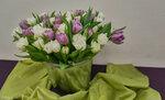 Тюльпаны в ведёрке.