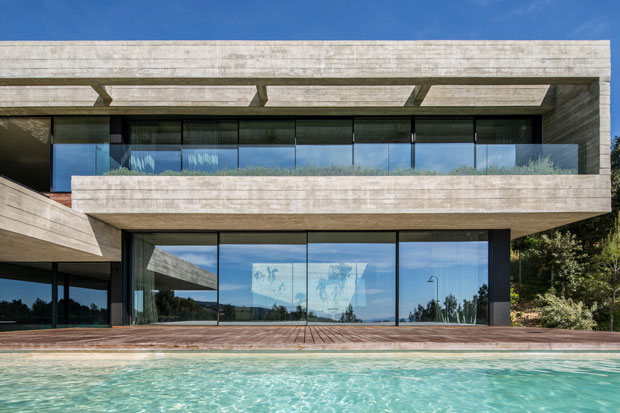 Villa Boscana by OLARQ Osvaldo Luppi Architects