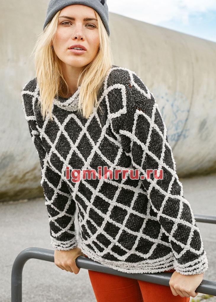 Двухцветный пуловер с решетчатым узором. Вязание спицами  и крючком