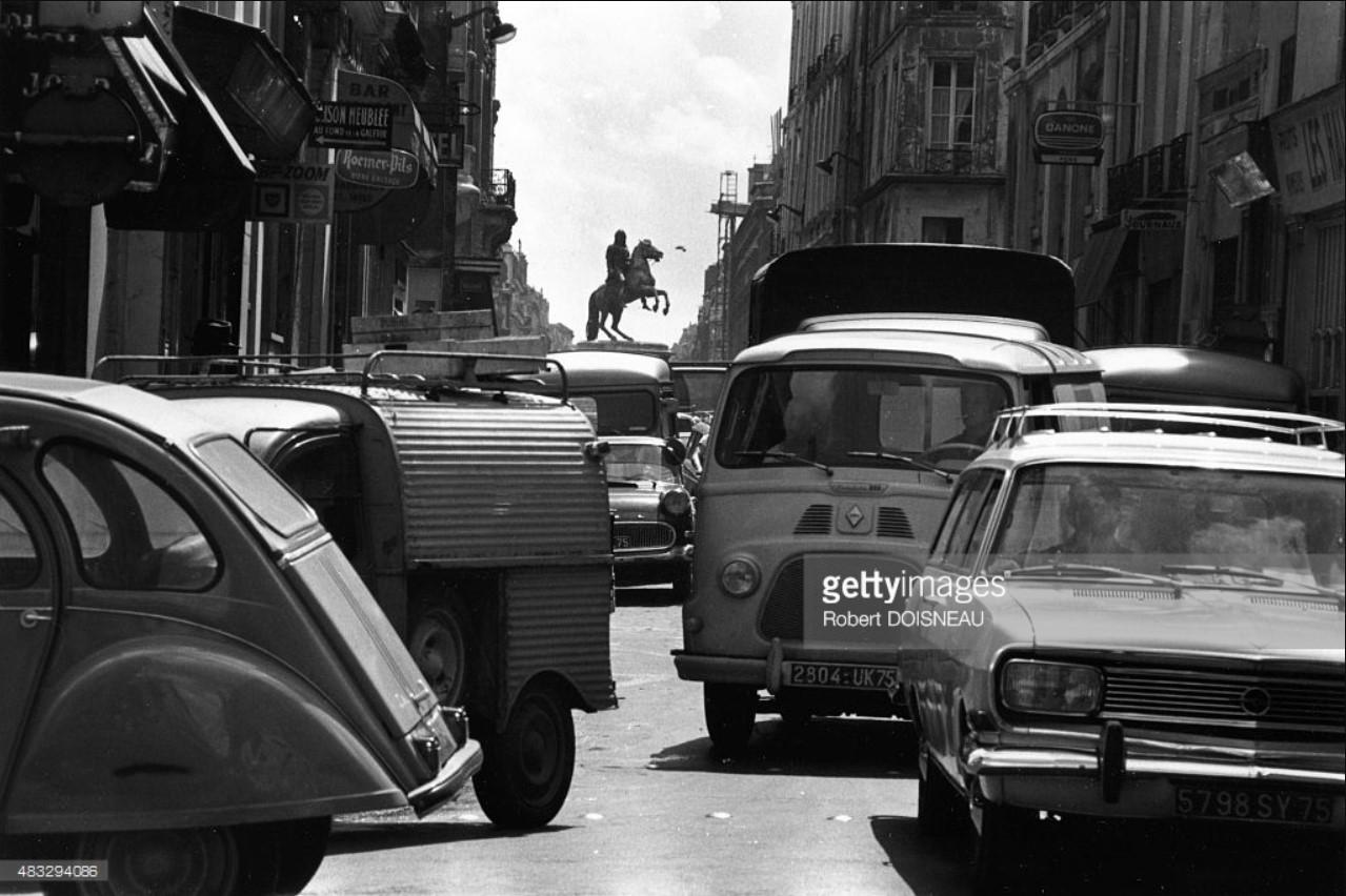 1968. «Пробка» на рю де Пти-Шан