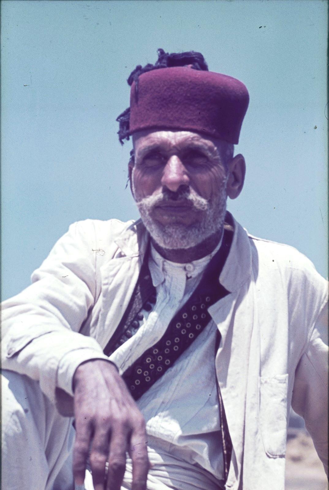 Бенгази. Портрет пожилого человека в феске