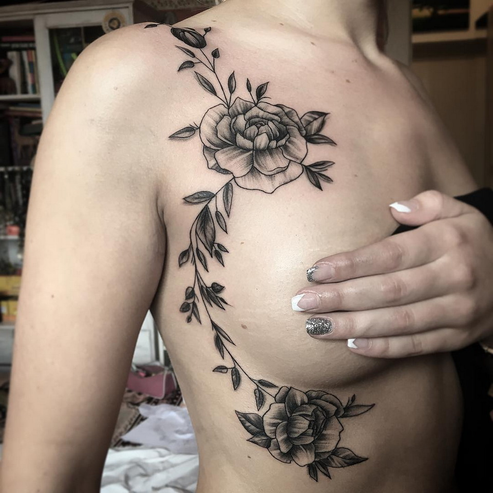 Sideboob tattoo: новая модная тенденция татуировок среди девушек