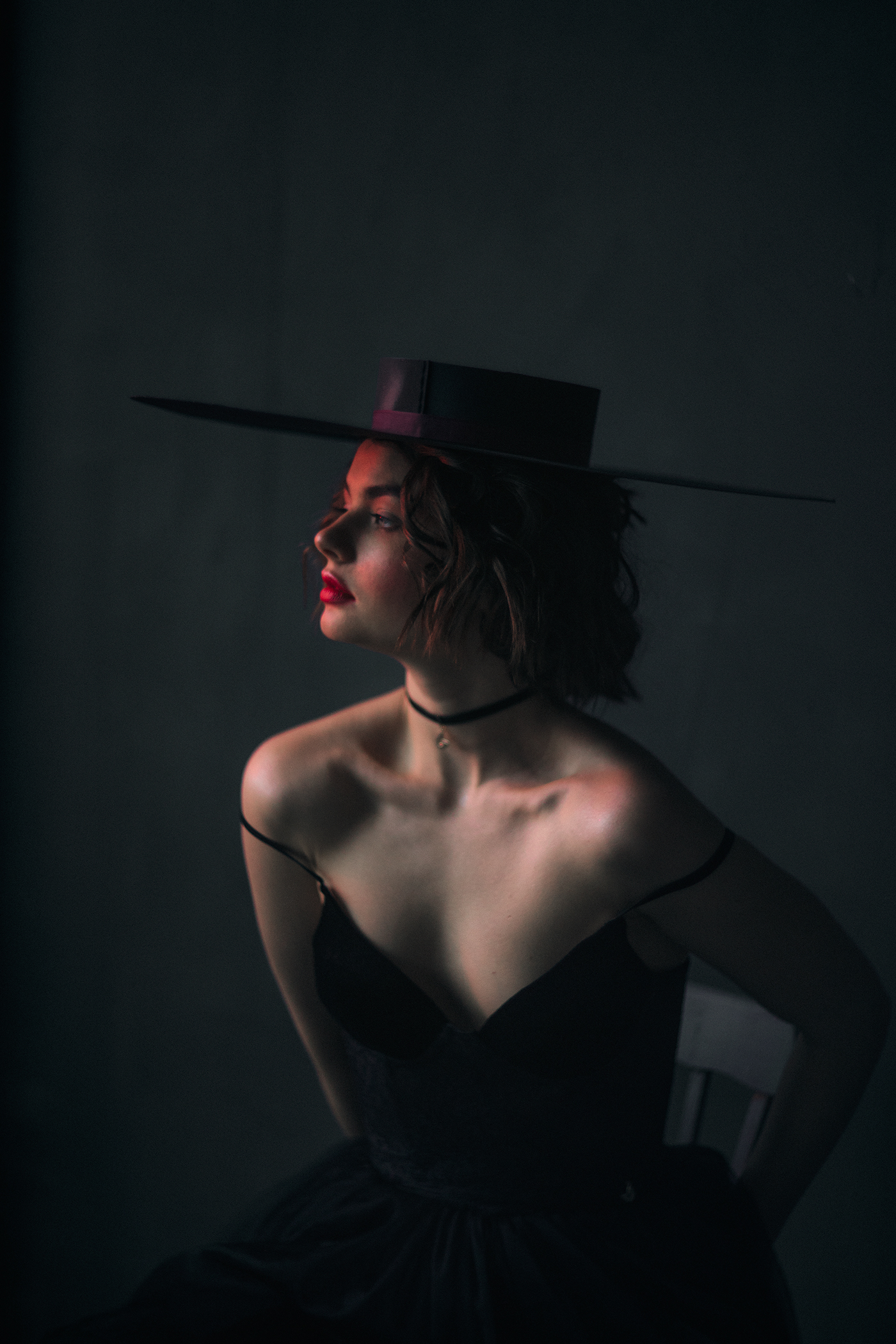 woman in a hat / фото Marta Syrko