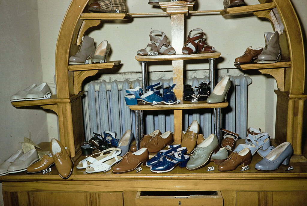 Russia, shoe display at store in Moscow