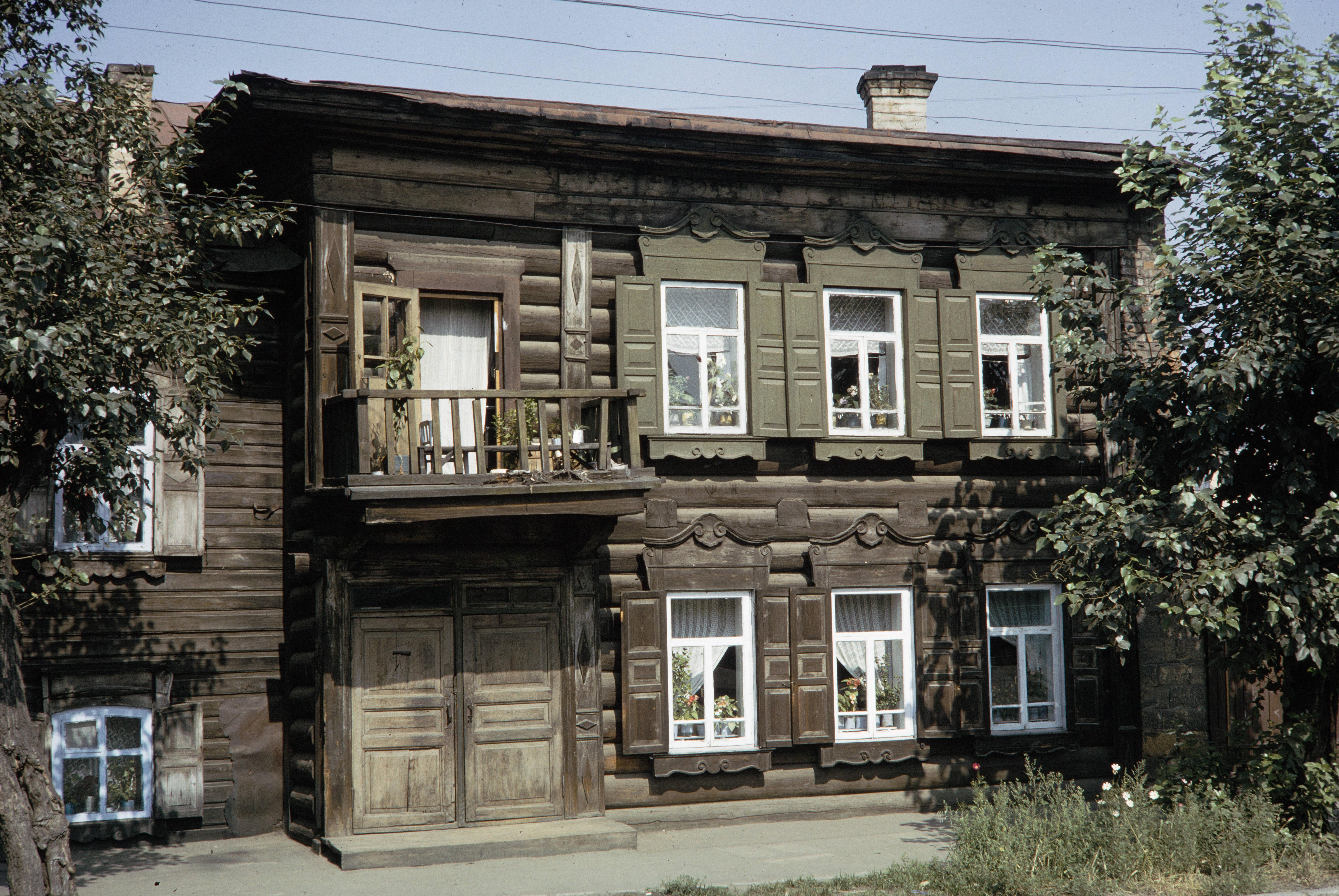 Улица Софьи Перовской. Деревянный дом