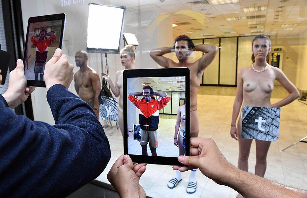 Модный показ с использованием дополненной реальности