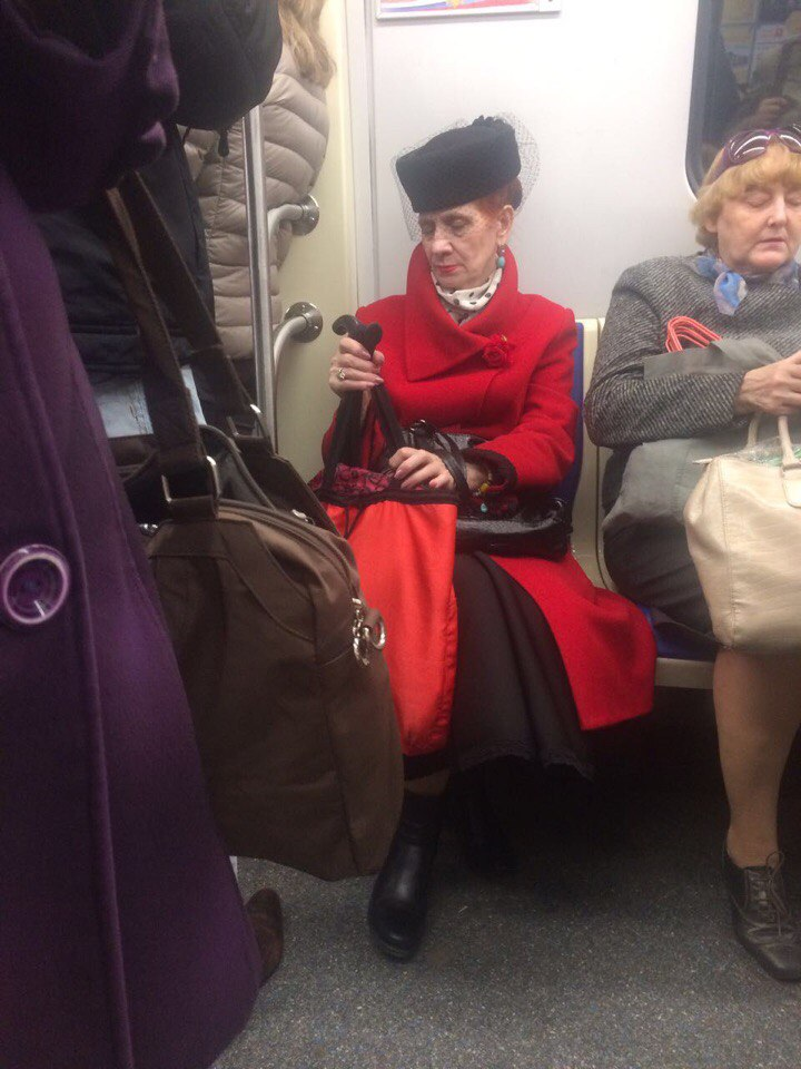 чудные люди в метро фото через фотографии наведете