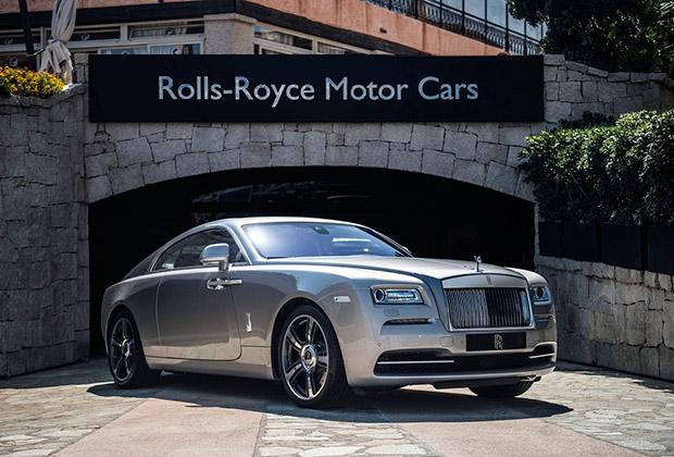 Автомобили Rolls-Royce инкрустировали изумрудами