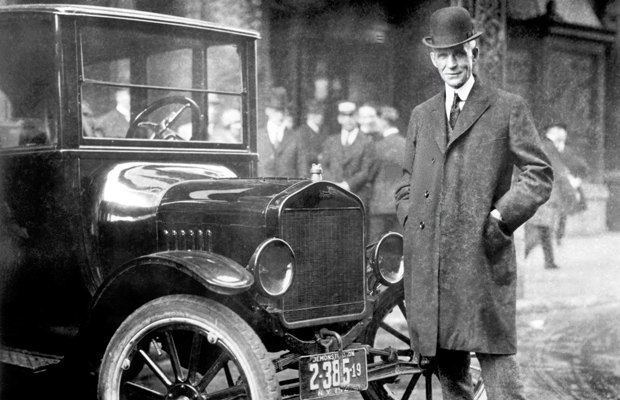 2. Автомобиль . Первые чертежи автомобиля были созданы еще Леонардо да Винчи, а вот вклад в распрост