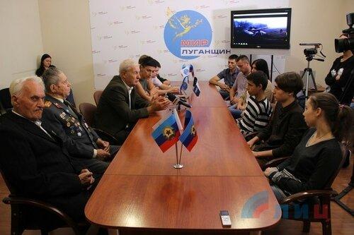 рашисты промывают мозги луганским студентам