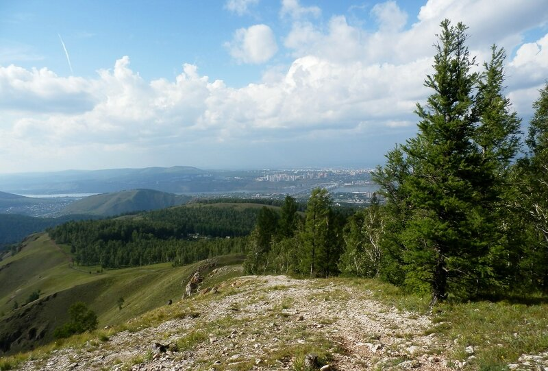 Вид на город с горы Тамара.JPG