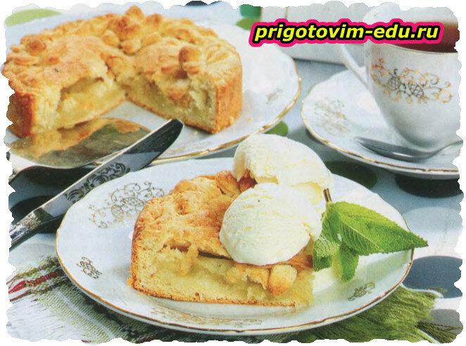 Летний пирог с яблоками