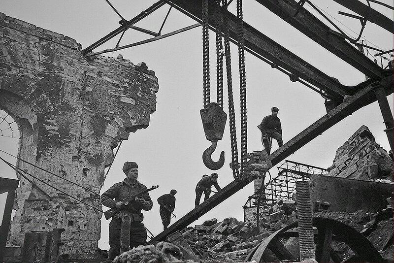 Фотография Е. Халдея(1917 - 1997)Фотохудожник Победы (7).jpg