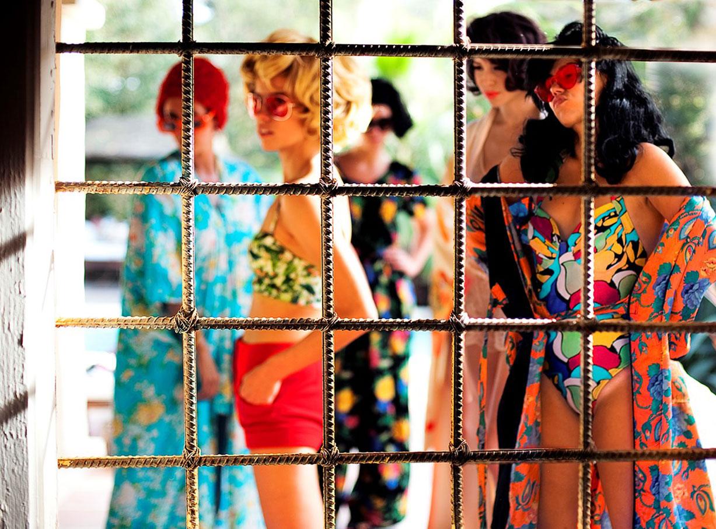 разные люди и странные женщины фотографа Нади Ли Коэн / photo by Nadia Lee Cohen