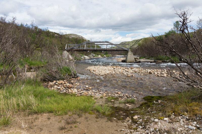 мост на пешеходной тропе через реку Haverdalsåe