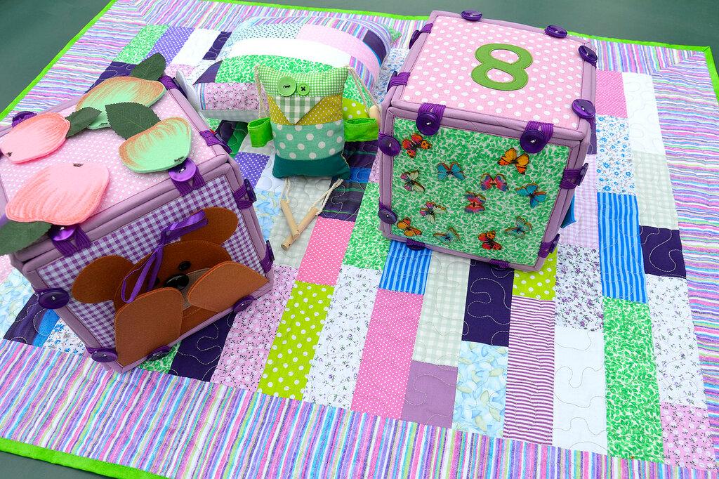 кубики покрывало подушка комплект в детскую салатовый сиреневый (3).JPG