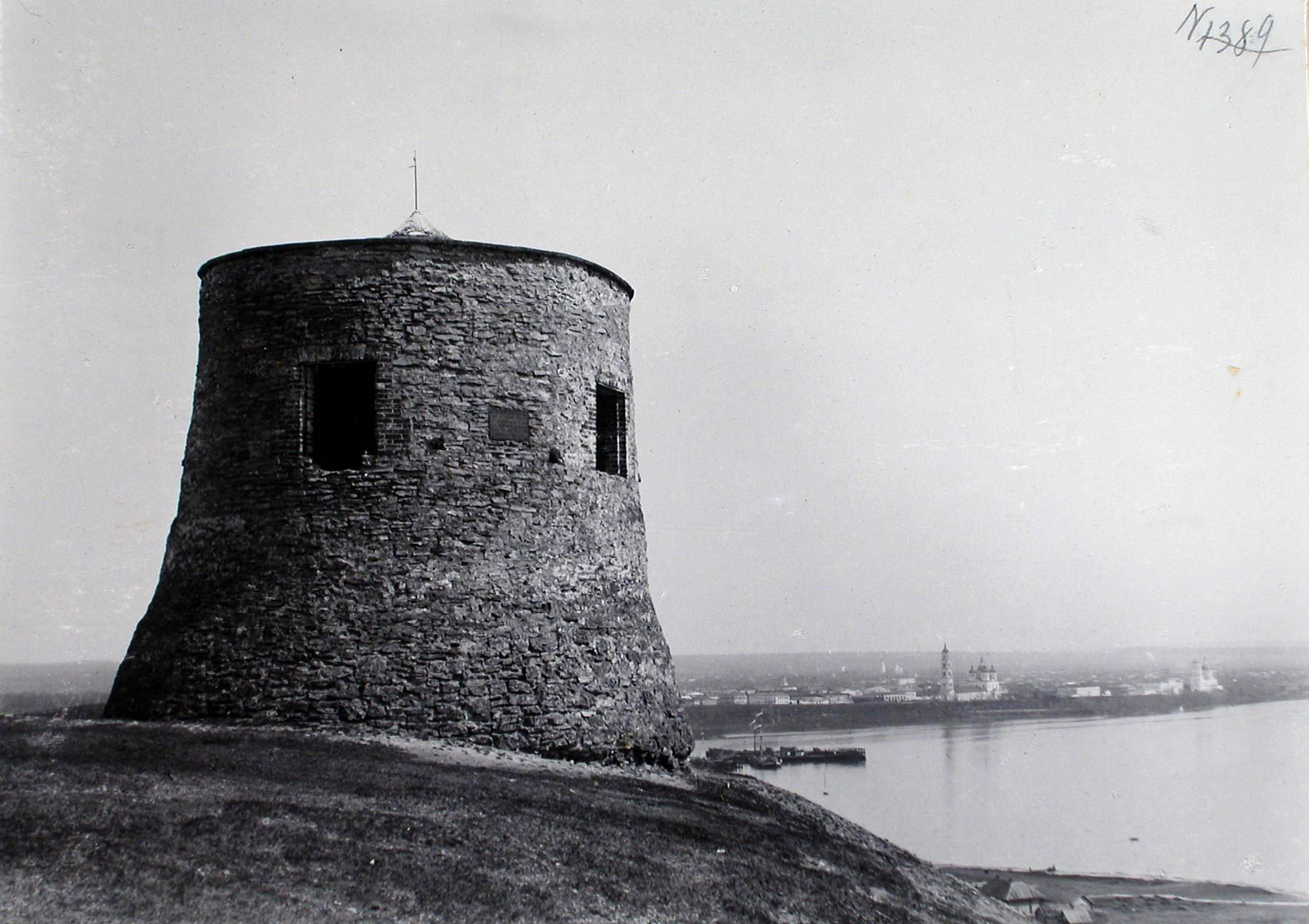 Одна из башен Чертова городища (по преданию бывшего булгарского города)