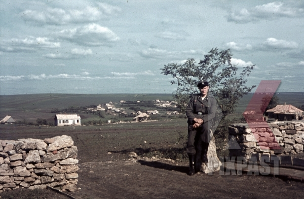 stock-photo-soldier-cemetery-of-the-5th-sspanzerdivision-wiking-in-uspenskaja-ukraine-1942-11177.jpg
