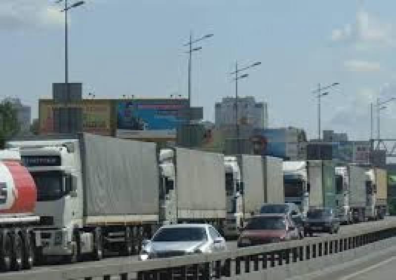 На въездах в Киев установят габаритно-весовой контроль