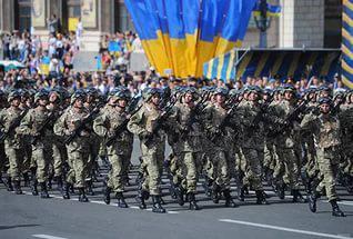 """""""Самое пугающее, что у нас каждый час, каждый месяц, каждую неделю обсуждение парадов. У нас парады везде"""", - блогер"""