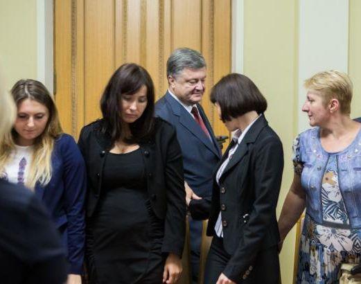 Боремся за быстрейшее  освобождение 45 пленных украинцев— Порошенко