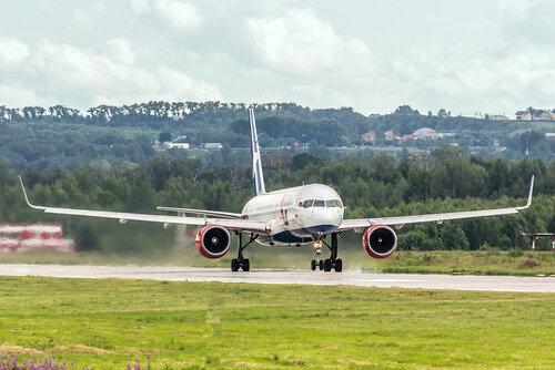 Azur Air, Boeing 757
