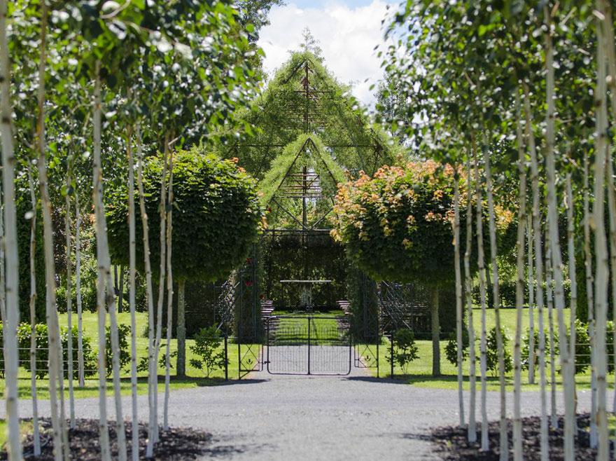 Церковь из живых деревьев