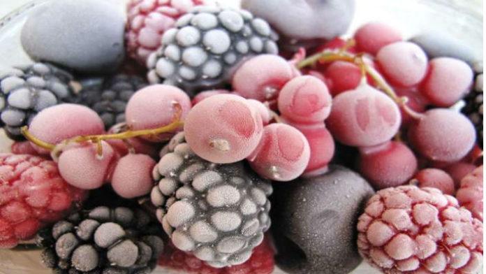 Вот основные правила замораживания продуктов на зиму:  1. Отбираем плотные, спелые и неповре
