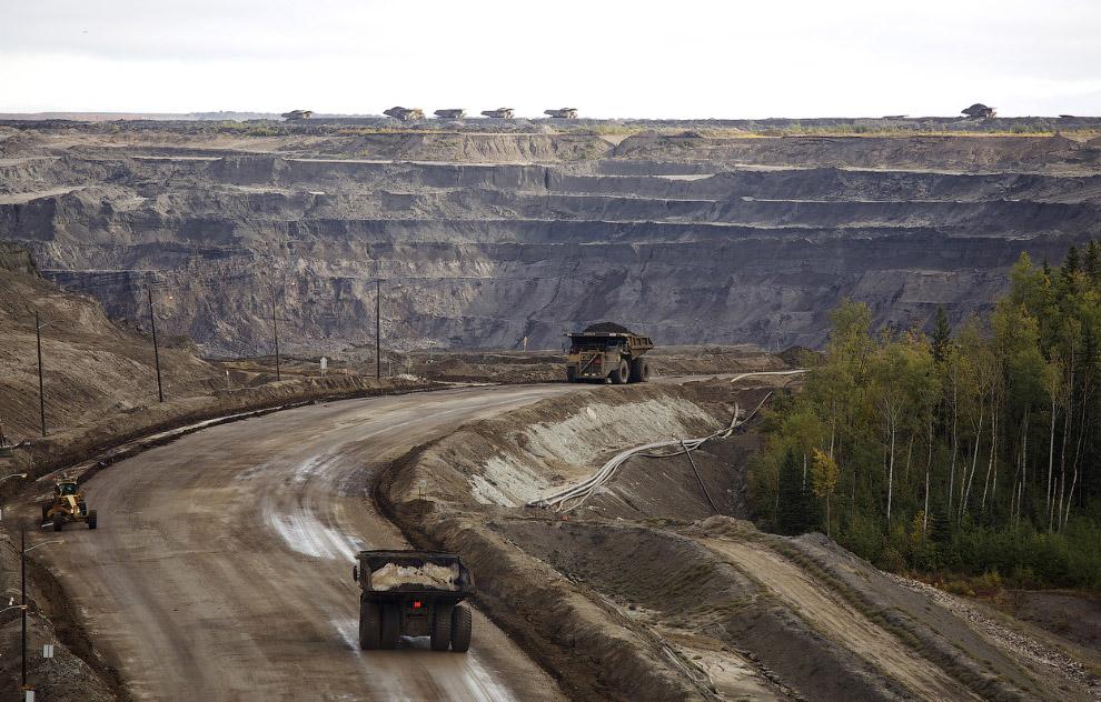 3. Сегодня нефть является одним из важнейших для человечества полезных ископаемых. (Фото Reuter