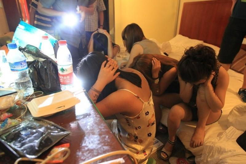 8. Сфера секс-услуг в Китае процветает. Здесь можно встретить как мини-бордели, так и элитный эскорт