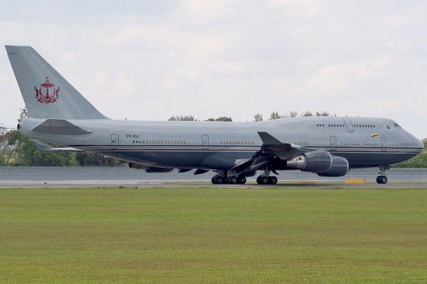 7. «Боинг-747-430» за 233 млн долларов. Еще один персонализированный самолет в списке принадлежит су