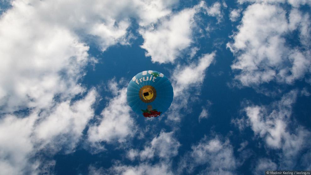 11. Наступает воскресное утро. Сегодня старт воздушных шаров будет происходить с какого-то поля