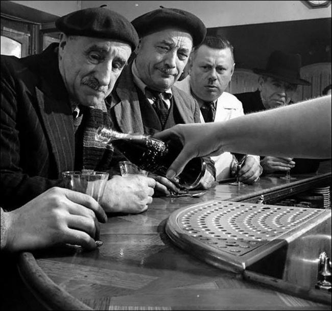 Во Франции появилась Coca-Cola, 1950 год.