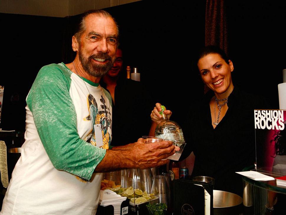 6. Вина и алкогольные напитки — 15,9%. Джон Пол Деджория, основатель Patron Tequila.