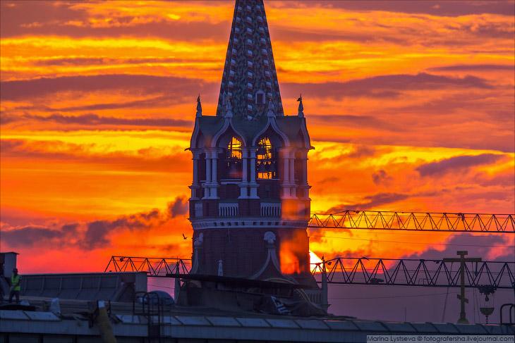Как солнце вставало над Кремлем (27 фото)