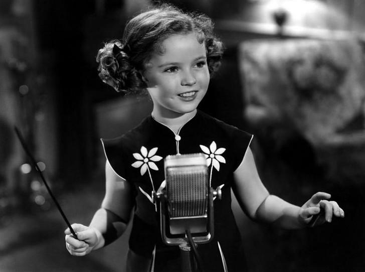 В 1934 году в возрасте шести лет Ширли Темпл стала обладательницей кинопремии «Оскар» и навсегда вош