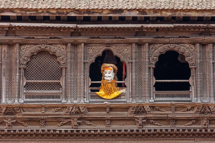 Площадь Таумадхи, здесь расположено два самых важных храма города Нятапол и Бхайрав, а также стоит д