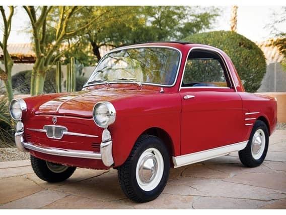 Isetta Этот итальянский микромобиль выпускался итальянской компанией Iso с 1953 по 1955 год. Позднее