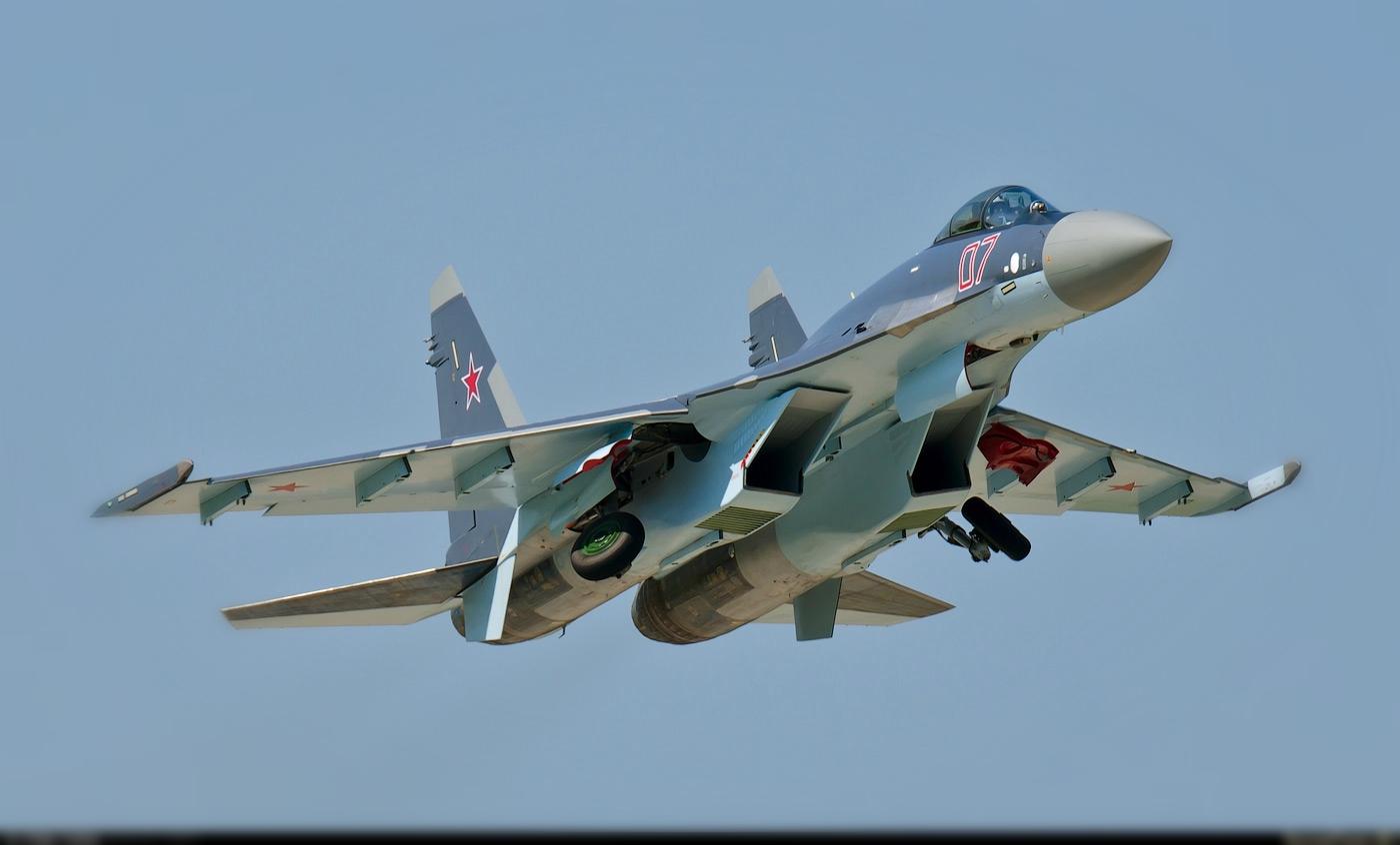 СУ-35 истрибитель