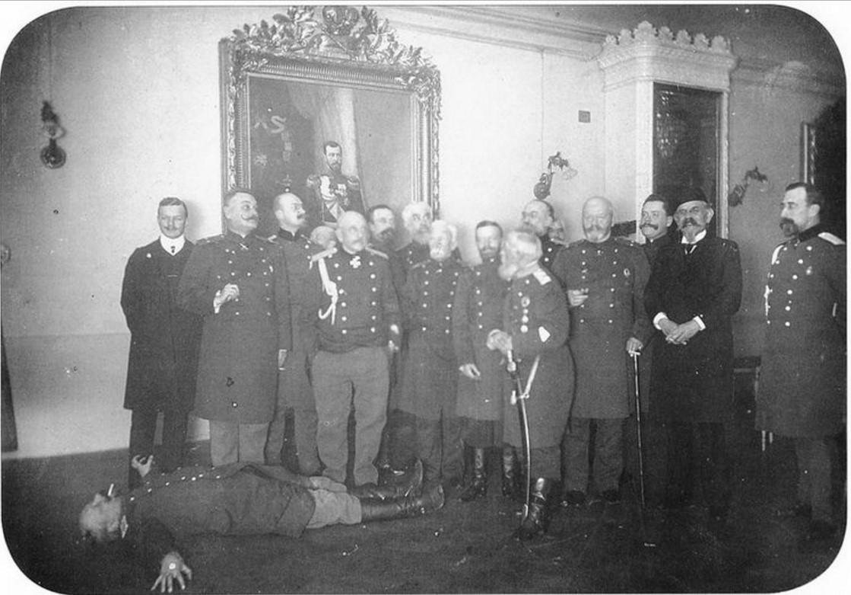 Дружеская встреча офицеров гвардейского полка, расквартированного в Гатчине. 1904