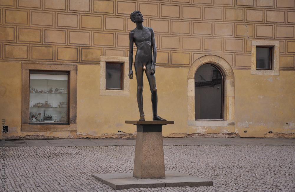 Sculptor-(15).jpg
