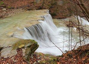 Весенний водопад.