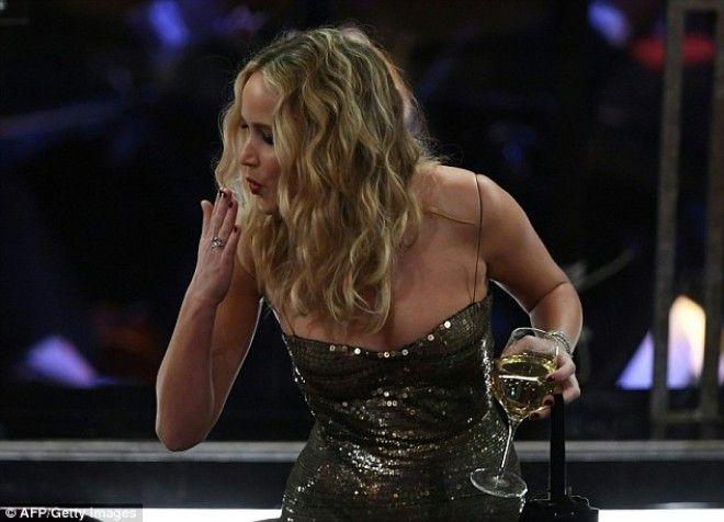 Дженнифер Лоуренс перебрала лишнего на церемонии Оскар