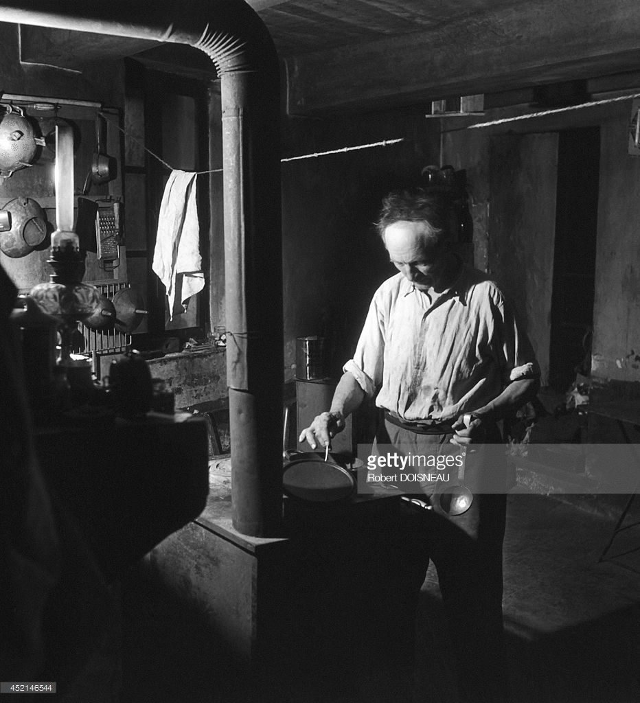1958. Пастух готовит еду во время сезонного перехода на летние пастбища. Вальберг