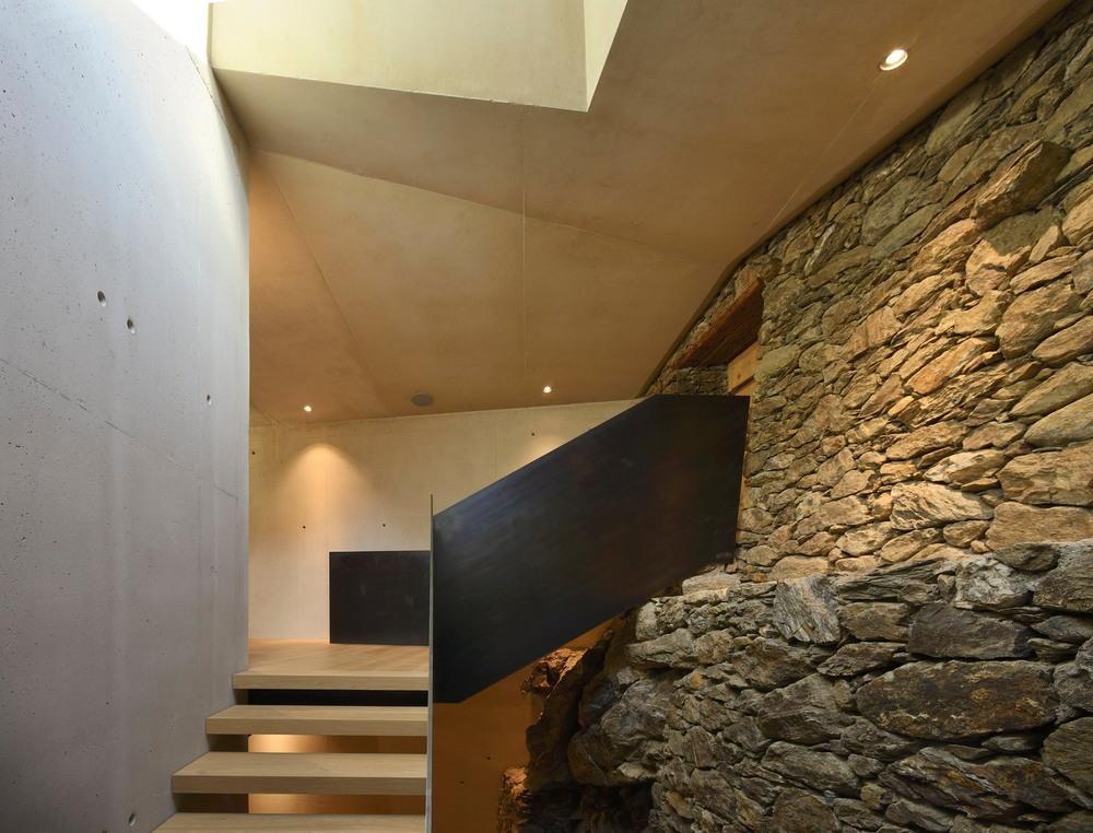 Модернизация жилого дома на хуторе в Италии высокие, постройка, стороны, склона, новых, долину, является, каркас, вскрывает, поверхность, длинный, застеклённый, фасад, Проект, смотрит, прямо, Благодаря, широкому, стильному, фасаду