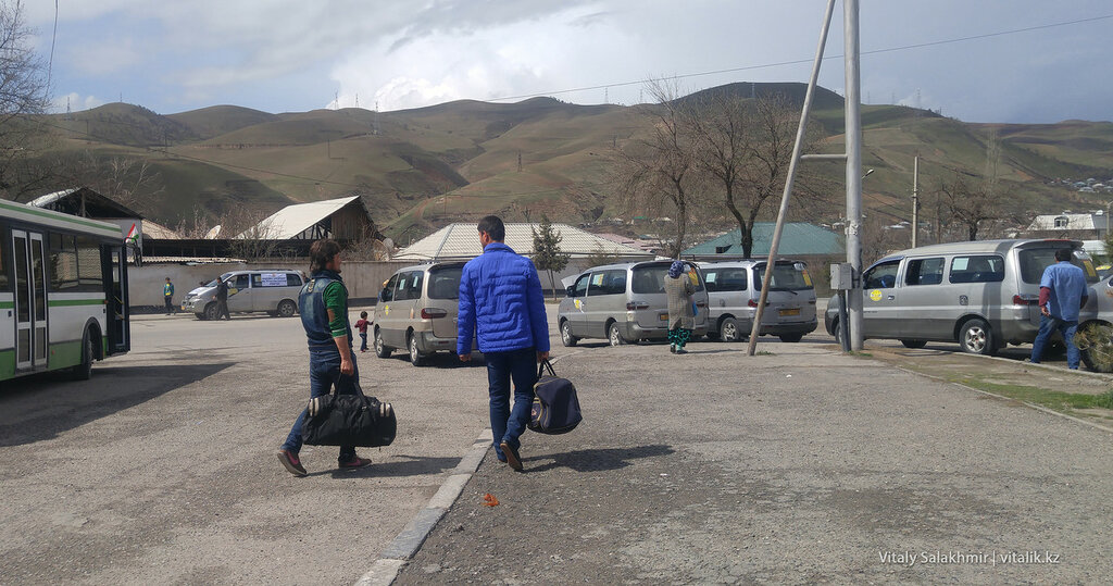 Стоянка такси в Душанбе