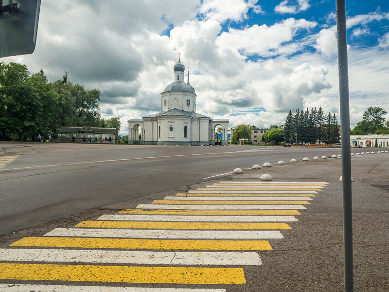 Вид на Троицкий собор.